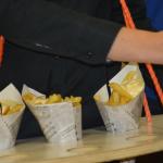 Onze handige oplossing om friet uit te delen